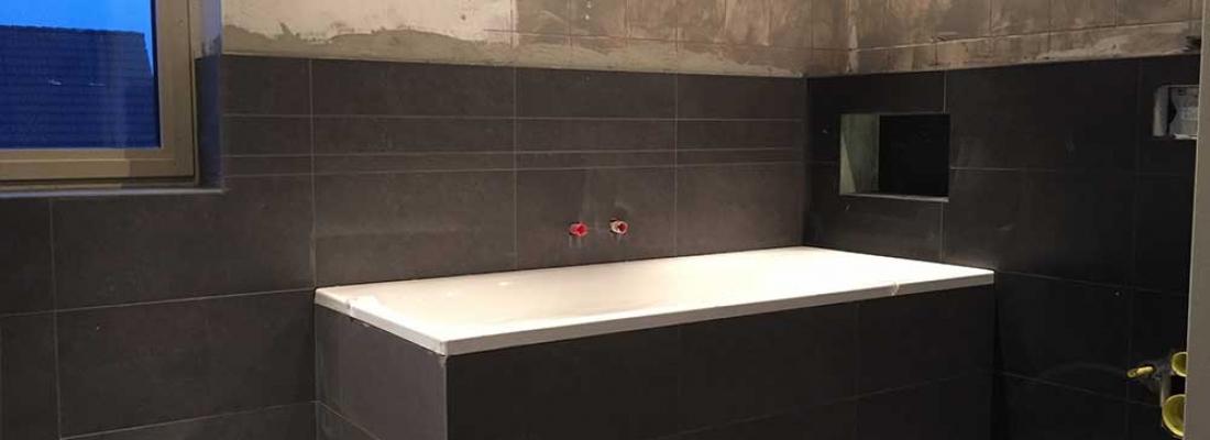 Donkere badkamer - tegeloutlet